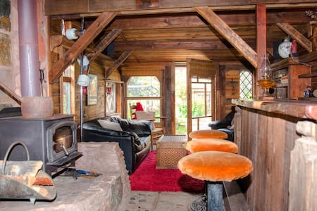 The Hobbit House, aka, The Pub! - Cambria - Cabin
