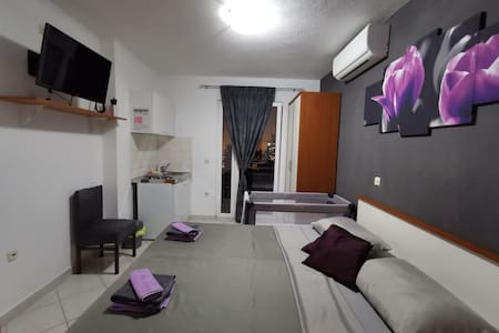 Studio apartment, Makarska3