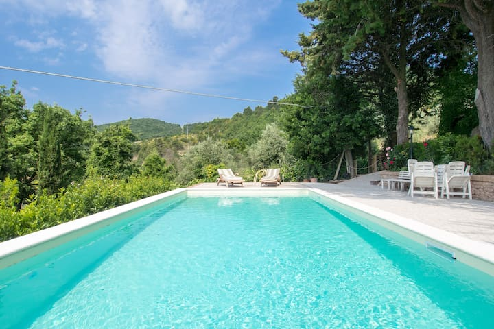 charming cottage in  private pool - Spoleto - Rumah