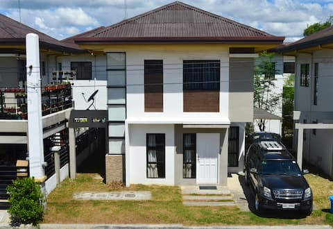 3BR House with pool, safe, quiet and private area
