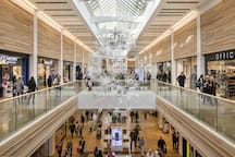 Meadowhall shopping centre (typical gallery interior)