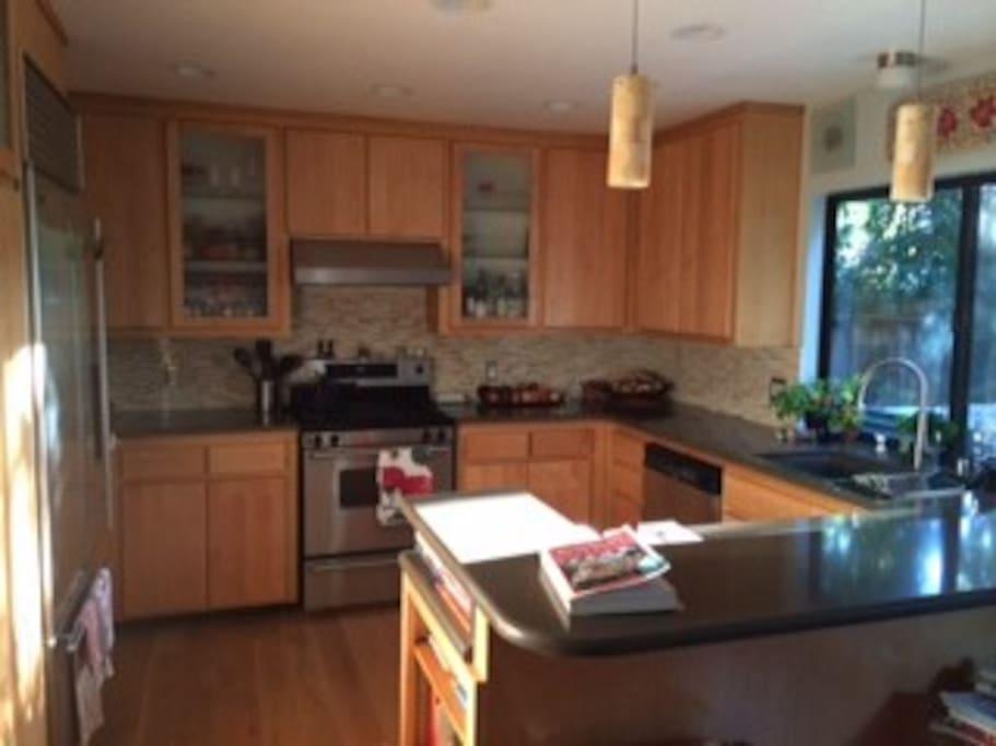 Lovely remodeled kitchen.  Available for your use. We khan  jjikmikogkhck