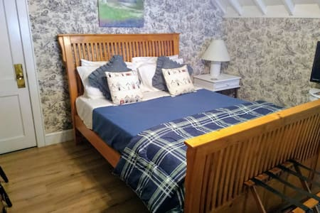 Splendor Inn Bed & Breakfast - Cedar Room