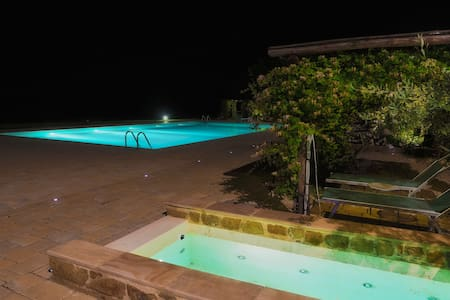 Relais in Toscana: camera romantica - Montevarchi - Bed & Breakfast