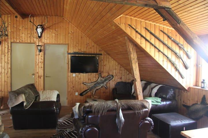 Familie-bondegårds-jagt/fiskeferie - 4462 Klingstorp - กระท่อม