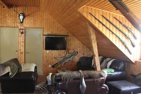 Familie-bondegårds-jagt/fiskeferie - 4462 Klingstorp - 小木屋