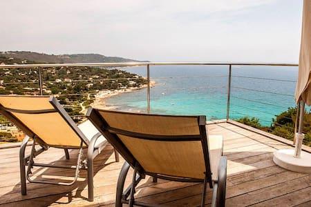 Gorgeous villa facing the ocean - Ramatuelle
