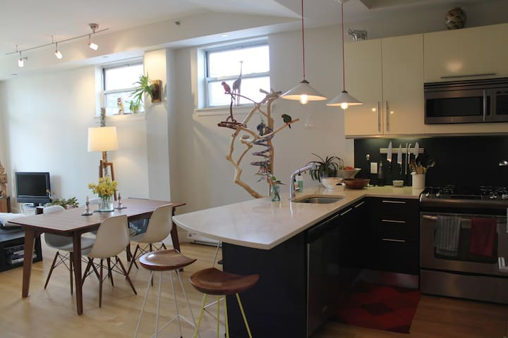 Tasteful, calm, central 2BR/2Baths - Brooklyn - Apartment