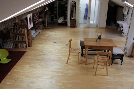 80m2 Loft Basel City Center - Basilea
