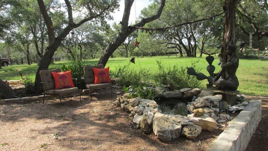 "Hill Country at Rancho Funk ""A"" - Bee Cave - Bed & Breakfast"
