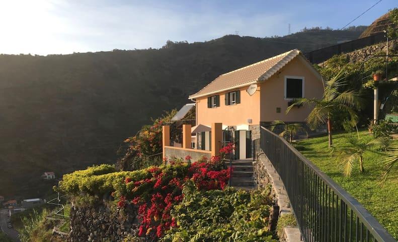 Quinta Terezinha - A True Farmhouse Experience