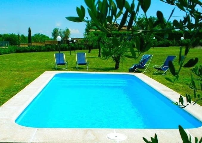 Countryside cottage near Rome, pool - Rome - House