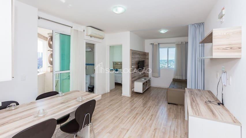 Flat de ambiente familiar, tranquilo além de uma acomodação aconchegante e segura no Centro de Curitiba/PR