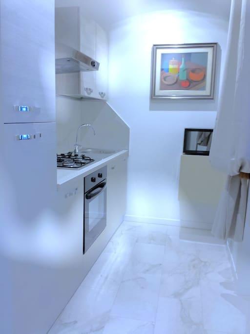 La foto mostra la cucina dell'appartamento