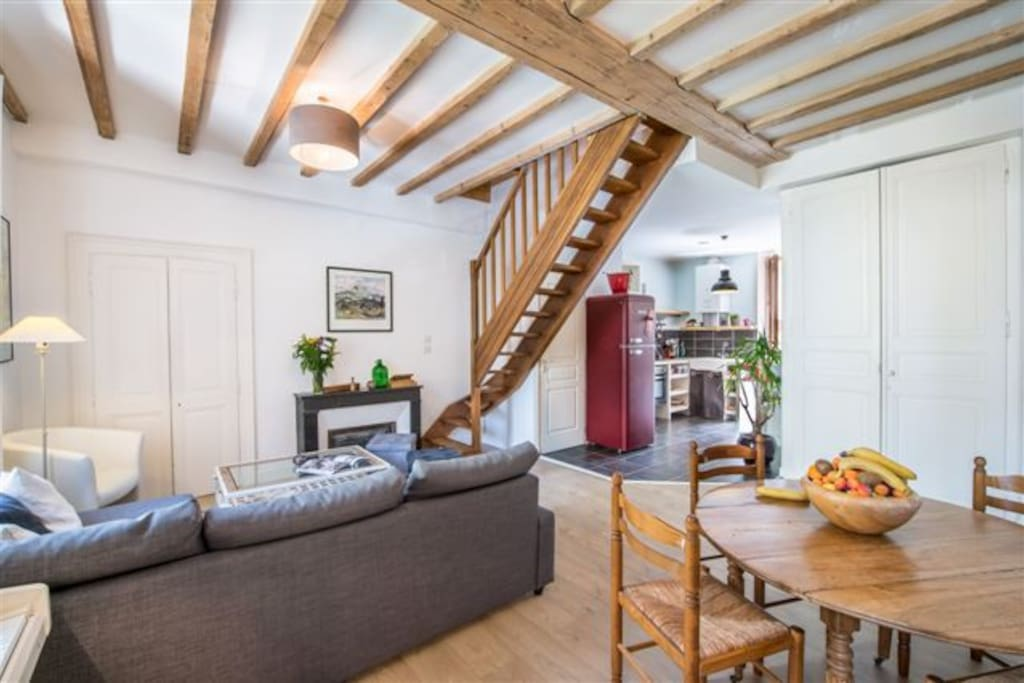 Charming duplex centre annecy apartments for rent in annecy rhone alpes - Hauteur sous escalier ...