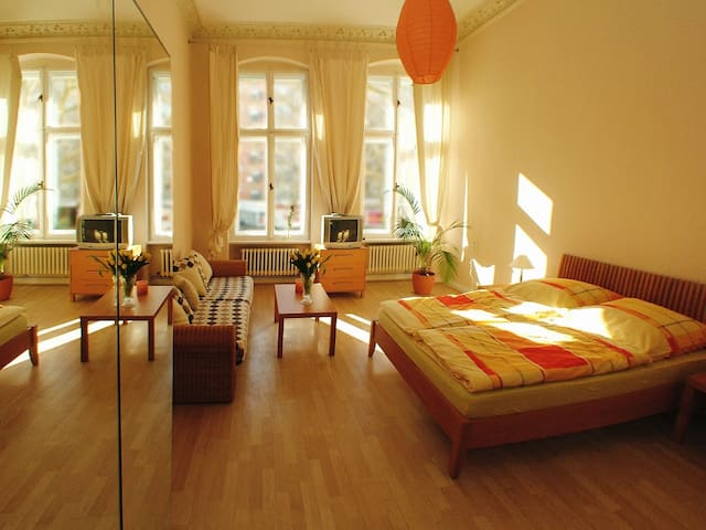 Last minute booking offer ... - Berlin - Bed & Breakfast