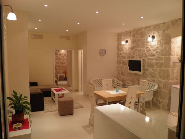 Beatiful new 45 m2 Apartmant - Kotor - 아파트
