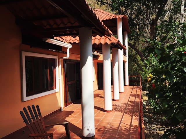 Beautiful Nicaraguan villa on Laguna de Apoyo
