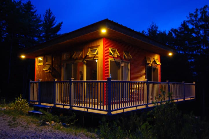 Cozy modern cabin on 5 acres!!! - Waterford - Stuga