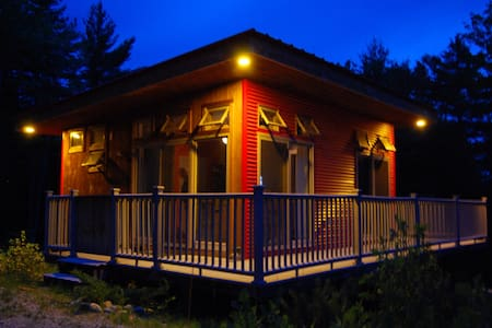 Cozy modern cabin on 5 acres!!! - Waterford - Blockhütte