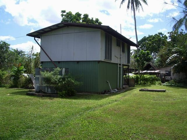 Kavieng Beach, 2 bedr Unit #6 - Kavieng - Talo