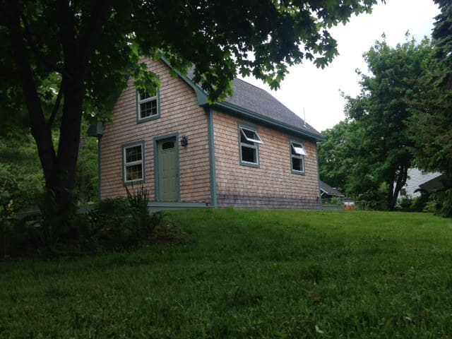 Camden Village Barn House - Camden - House