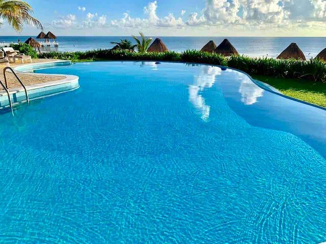 Mexican Caribbean house Beachfront, Pto Morelos.