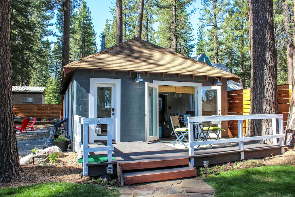 Hip Modern Cottage Of Amazingness Cottages For Rent In