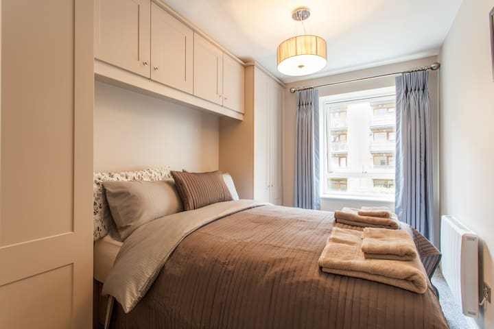 Cozy bed in a stylish new flat❤️ - Dublin - Apartamento