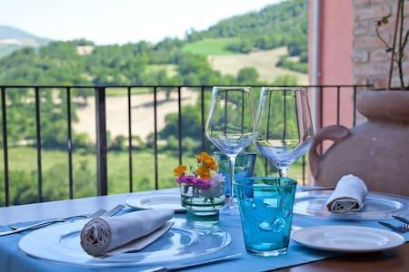Mediaval hamlet, Apartment Bevagna - Postignano