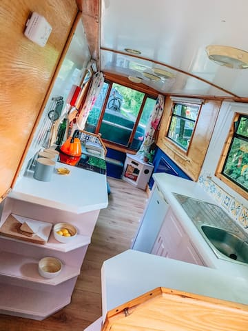 Stunning Narrowboat Boat
