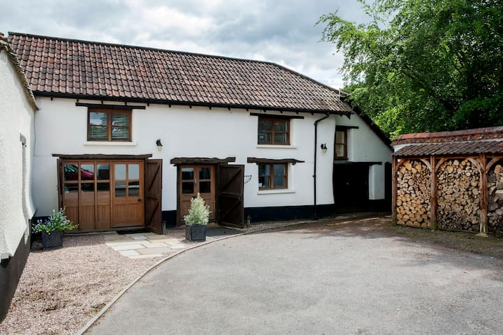 B&B self catered barn near Exeter - Thorverton