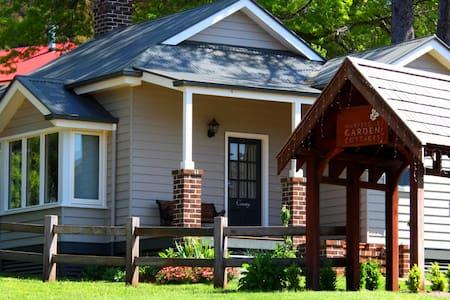 Country Cottage at Marysville Garden Cottages - Marysville