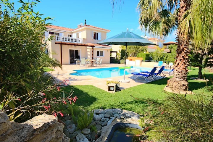 3 Bdr villa in Coral Bay next to the beach - Peyia - Vila