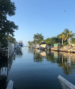 Yellowtail Getaway with Boat dock and  Pool 1
