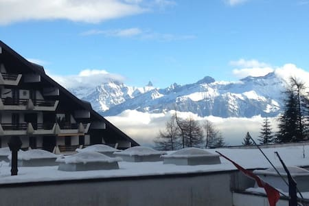 Alpine apartment in Swiss village of Torgon - Torgon - Apartemen