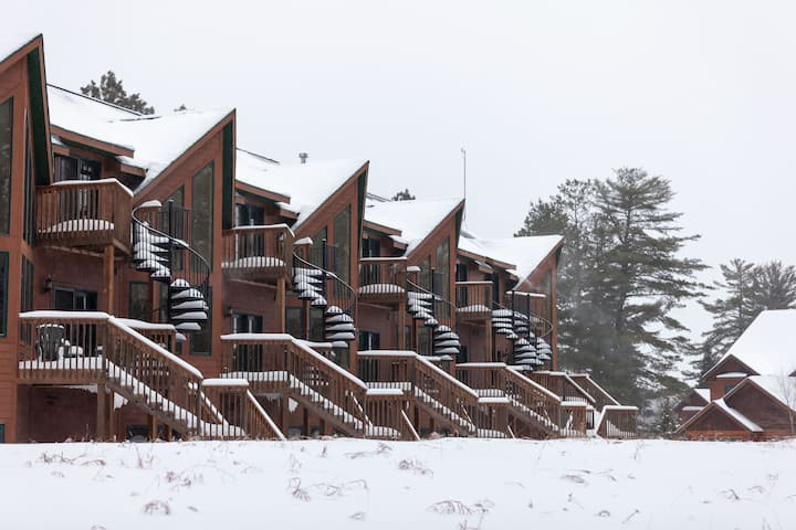 Copperwood #12 - Hiller Vacation homes