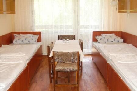 Kényelmes hostel szobák közel a belvároshoz - Szeged - Bed & Breakfast