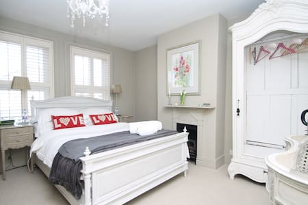Victorian with French Interiors - Pangbourne