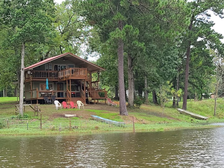 Cabin in the country on private fishing ponds.