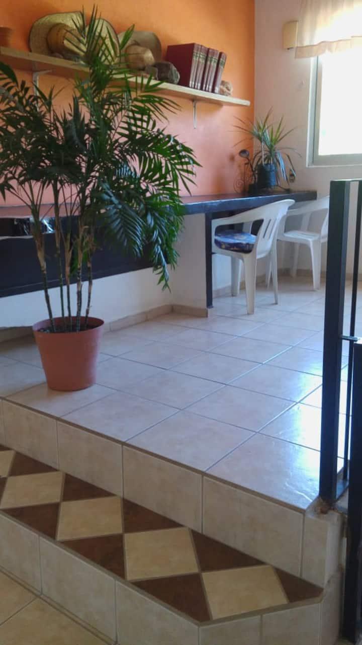 Habitación privada en zona residencial, Colima