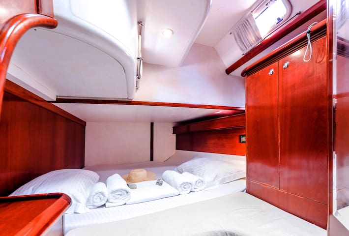 Standard cabin 1.