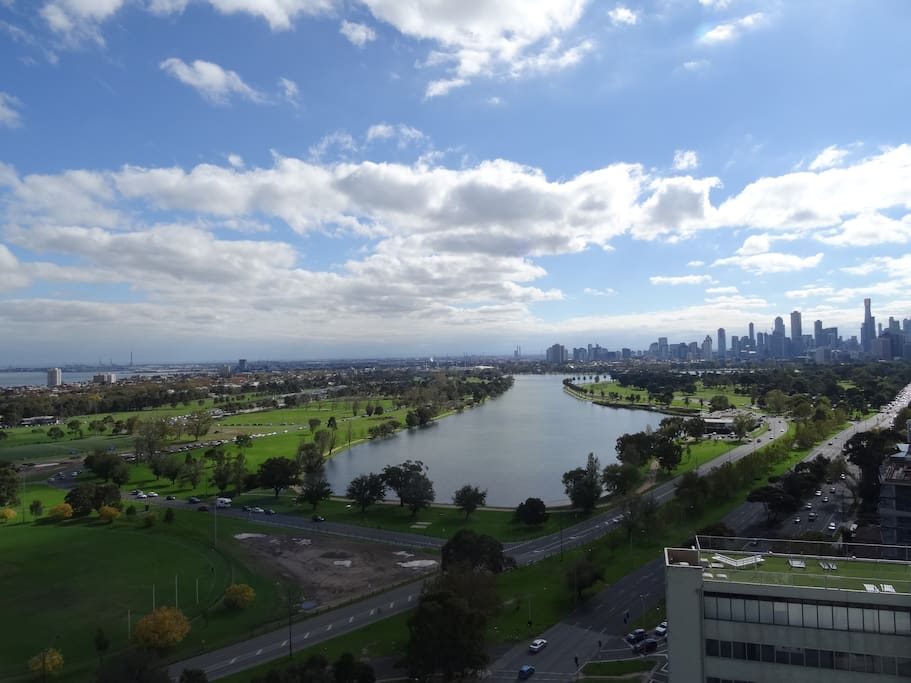 Breathtaking views on Albert Park from the rooftop