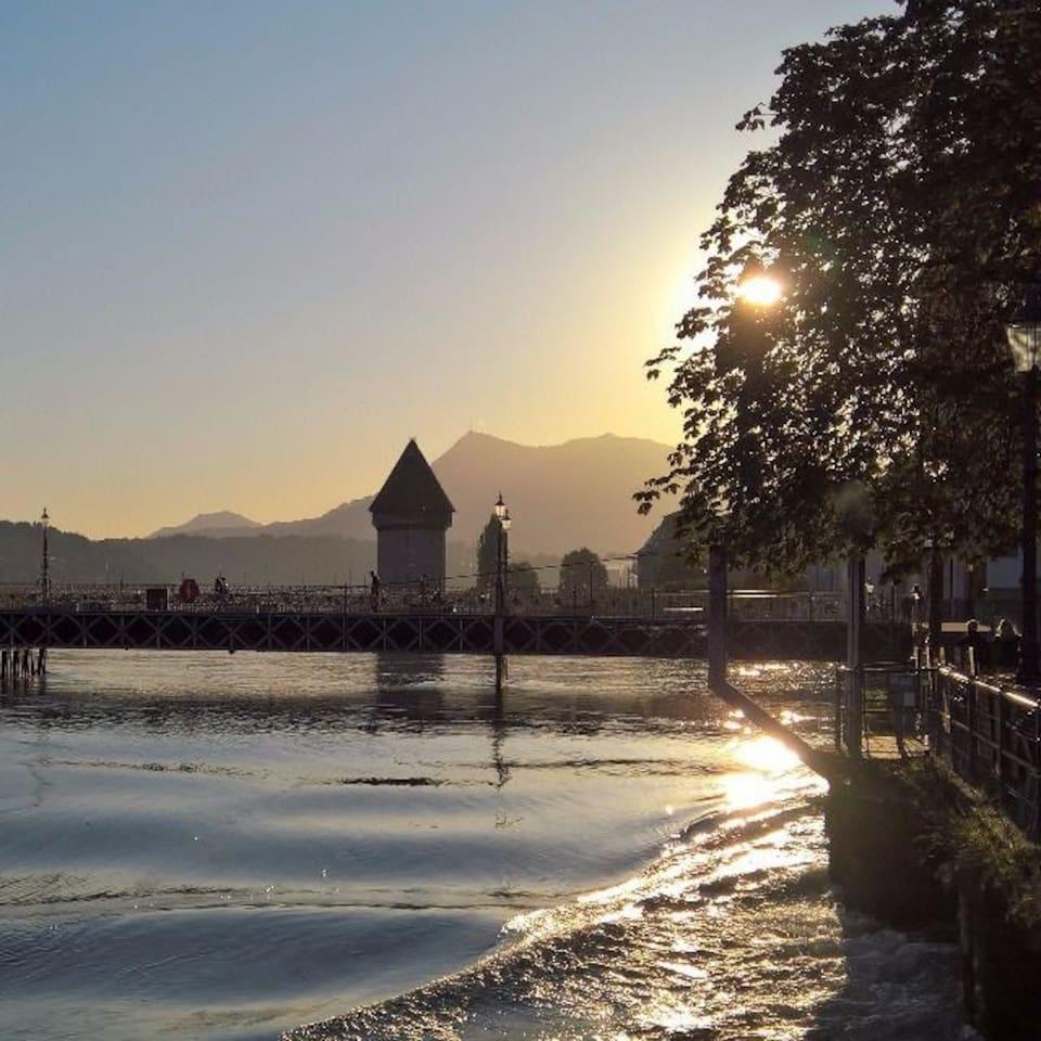 Nur gerade 4 Kilometer sind es von meiner Einliegerwohnung zu diesem einmaligen Schauplatz in der Stadt Luzern.