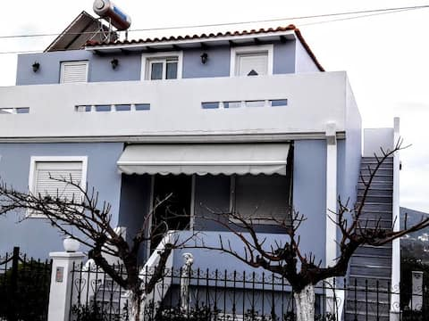 """COZY STUDIO """"NANA"""" - 8 MINUTES FROM ATHENS AIRPORT"""