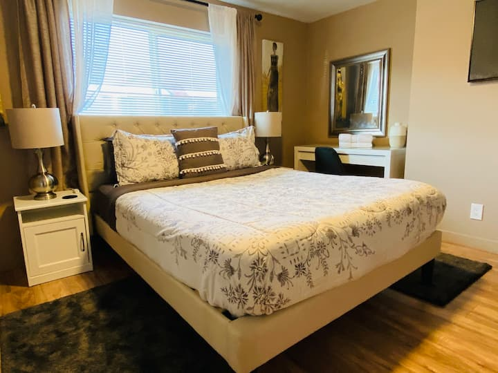 ❤️ 10min from SFO W/private bathroom (Easy Parking)