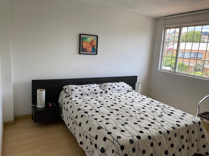 Acogedor apartamento 2 personas amoblado, Bogotá.
