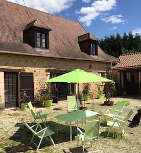 Domaine de Potofayol. Véritable ferme en Dordogne - Lacropte - Leilighet