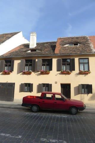 Medieval Attic - Sibiu - Huis
