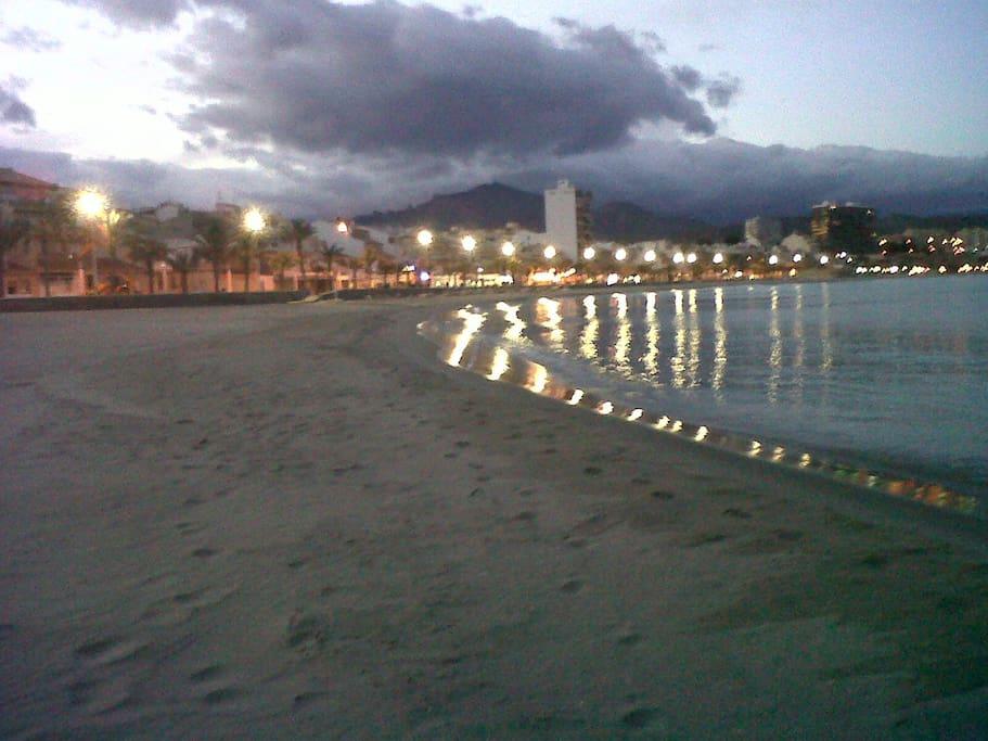El Campello by night